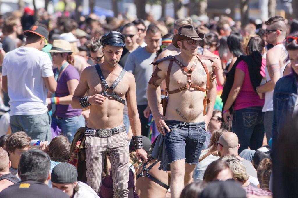 Transvestite Bound In Chastity