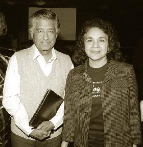 Cesar Chavez and Dolores Huerta in Los Angeles, California (www.campuslaraza.org)