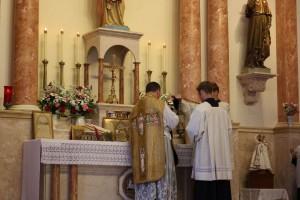 Latin mass inside St. Anne's