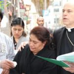 Archbishop leads prayer for slain man at San Francisco street corner